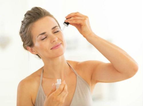 Cách Sử Dụng Serum Dưỡng Da Đơn Giản Và Hiệu Quả